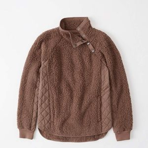 Abercrombie & Fitch Asymmetrical Snap-Up Sherpa